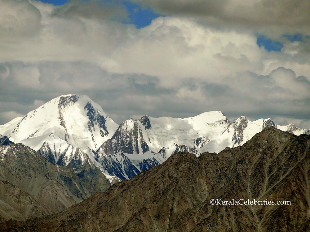 Snow Mountains on the way to Turtuk