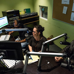 Entrevista com Jean Wyllys no programa Pausa Café na Rádio LoRa