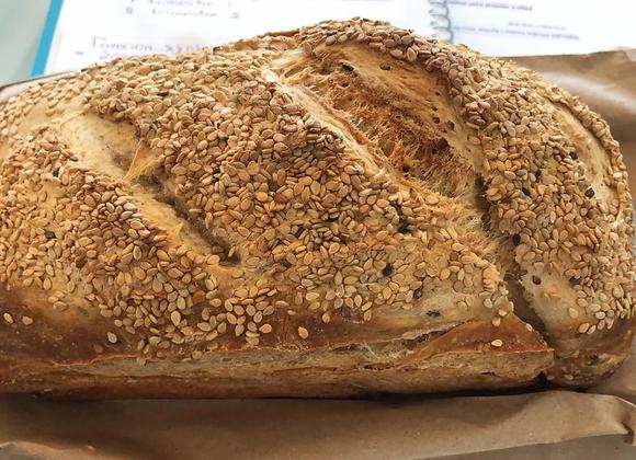 Pan de masa madre con semillas