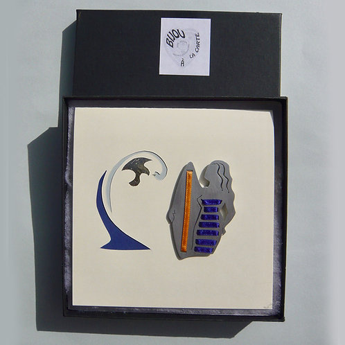 Broche Surfeuse rayée bleu marine