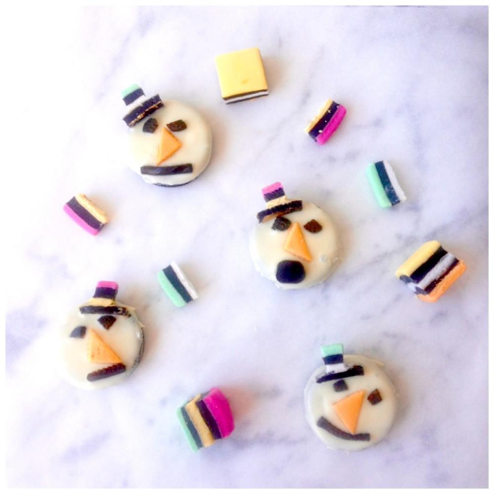 oreo-snowman-cookies-1024x1024.jpg