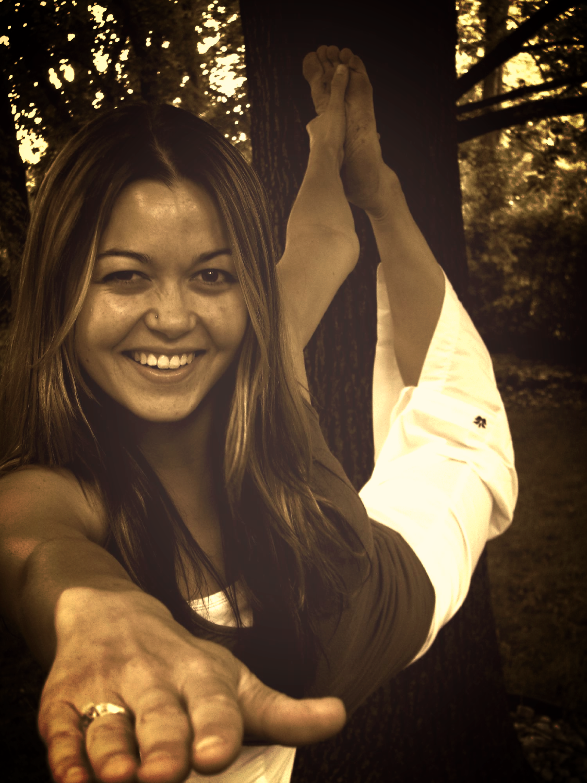 Happy Dancer - Sepia