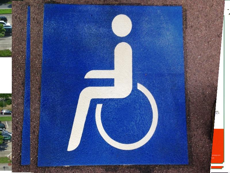 Parkplatzmarkierung_Rollstuhlfahrer