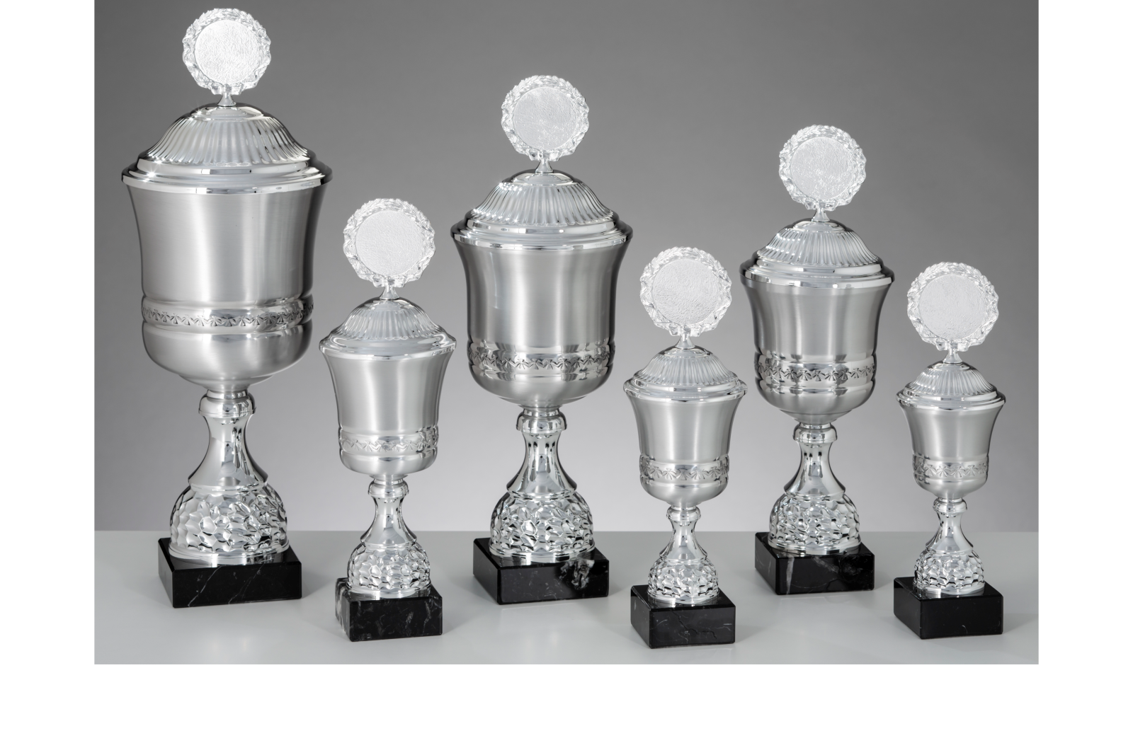 Pokalserie aus Aluminium