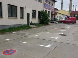 Parkplatzmarkierung_und_Parkverbot