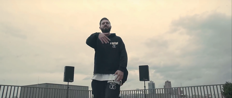 """Musikvideo Ali Bumaye ft. Shindy """"Bitch"""""""