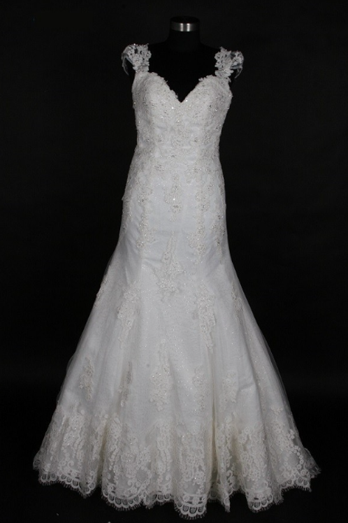 Style # SAV-0023-4 Ivory-Size 6 In Store (Alter to fit 2-8)