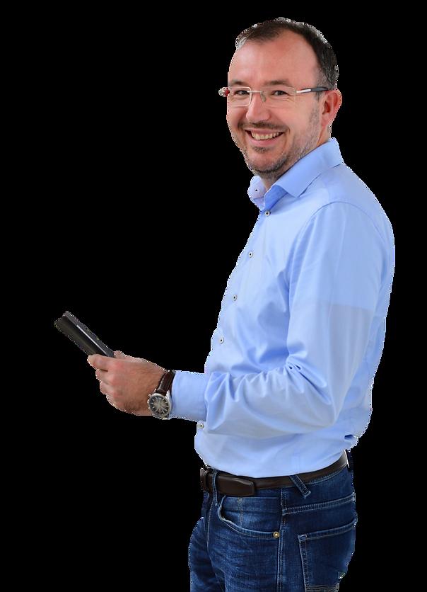 Rob Cornelissen met notitieblok advocaat MKB Roermond Cornelissen & Snijders Advocaten