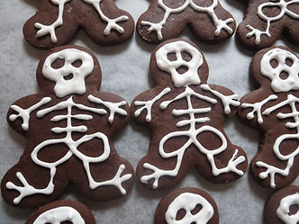 Halloween Gingerbread cookies.JPG