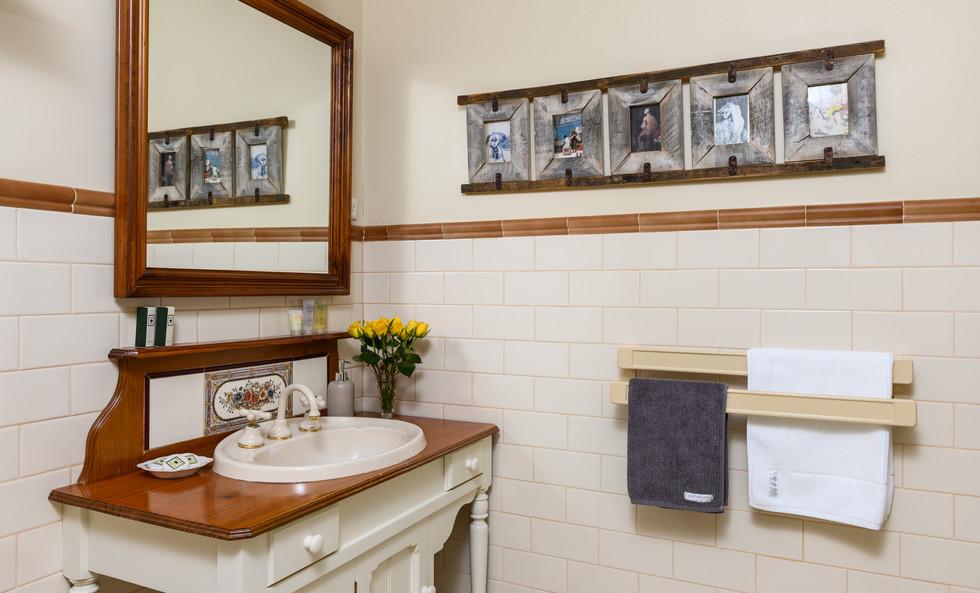 Miriams cottage 2018-102.jpg