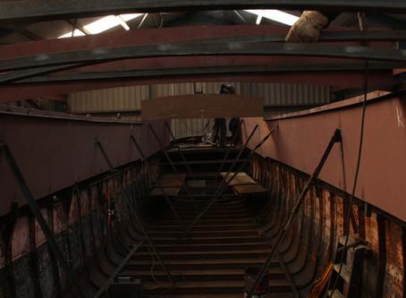 """""""De Tekkel"""" - een casco tot woonboot opbouwen"""