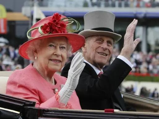 Rainha Elizabeth e príncipe Philip serão um dos primeiros a receber vacina