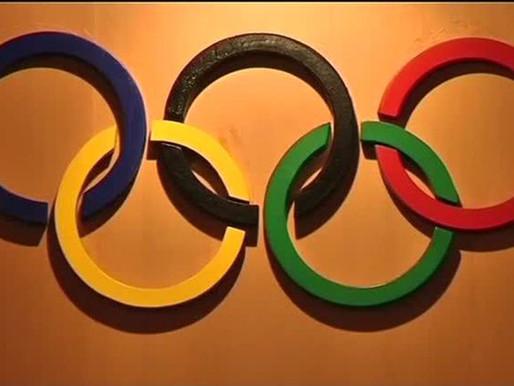 Desenho dos anéis olímpicos é leiloado por 185 mil euros