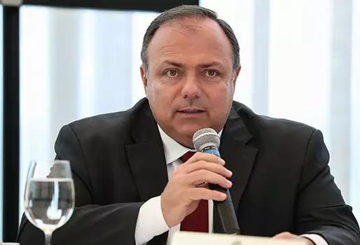 País receberá vacina de Oxford em janeiro, diz Pazuello