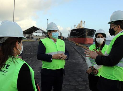 Governador apresenta projetos de expansão do Porto de Cabedelo a embaixador e cônsul dos EUA