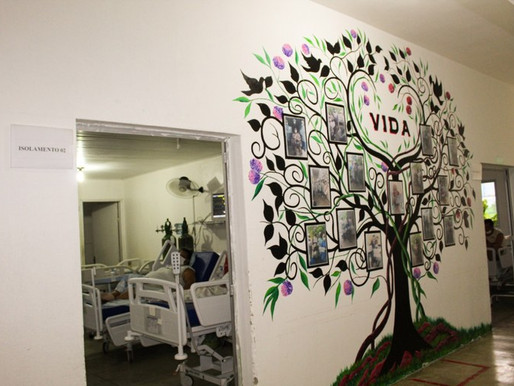 """Hospital Regional de Piancó homenageia pacientes de alta da Covid-19 com """"Árvore da Vida"""""""
