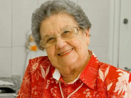 Aos 89 anos, Palmirinha é internada em UTI de hospital