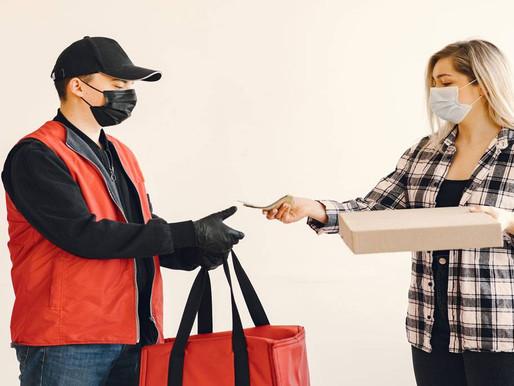 Lei obriga uso de lacres em embalagens de alimentos pedidos via delivery, na Paraíba