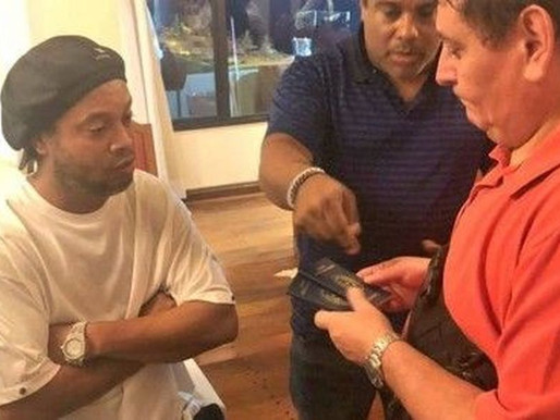 Ronaldinho Gaúcho é detido no Paraguai com supostos passaportes falsos