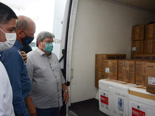 Governador acompanha distribuição de vacinas contra a Covid-19 para todos os municípios paraibanos