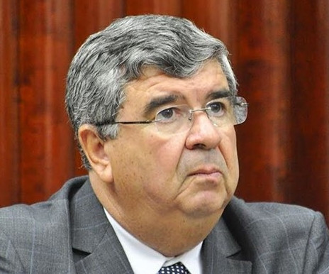 João Azevêdo nomeia o ex-governador Roberto Paulino como novo Chefe do Governo do Estado