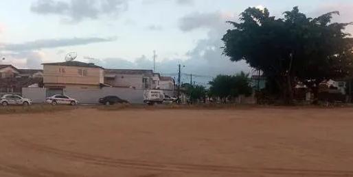 Homem é assassinado com 16 tiros de pistola em campo de futebol, na capital João Pessoa