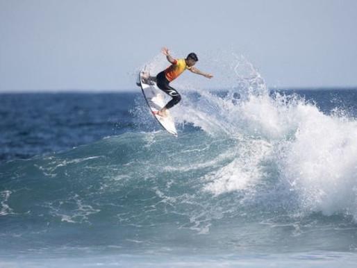 Gabriel Medina confirma favoritismo e é tricampeão mundial de surfe