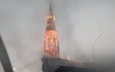 Igrejas são incendiadas em atos que marcaram 1 ano de protestos no Chile