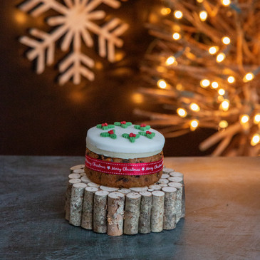 8.Christmas Cake - mini iced