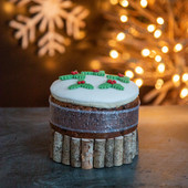 6.Christmas Cake - maxi iced