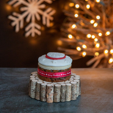 9.Christmas Cake - mini iced