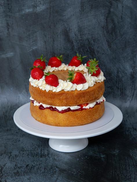2 layers White chocolate & Strawberry