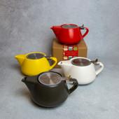 25. Tea pot with loose leaf infuser
