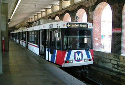 Lacledes Landing Metrolink