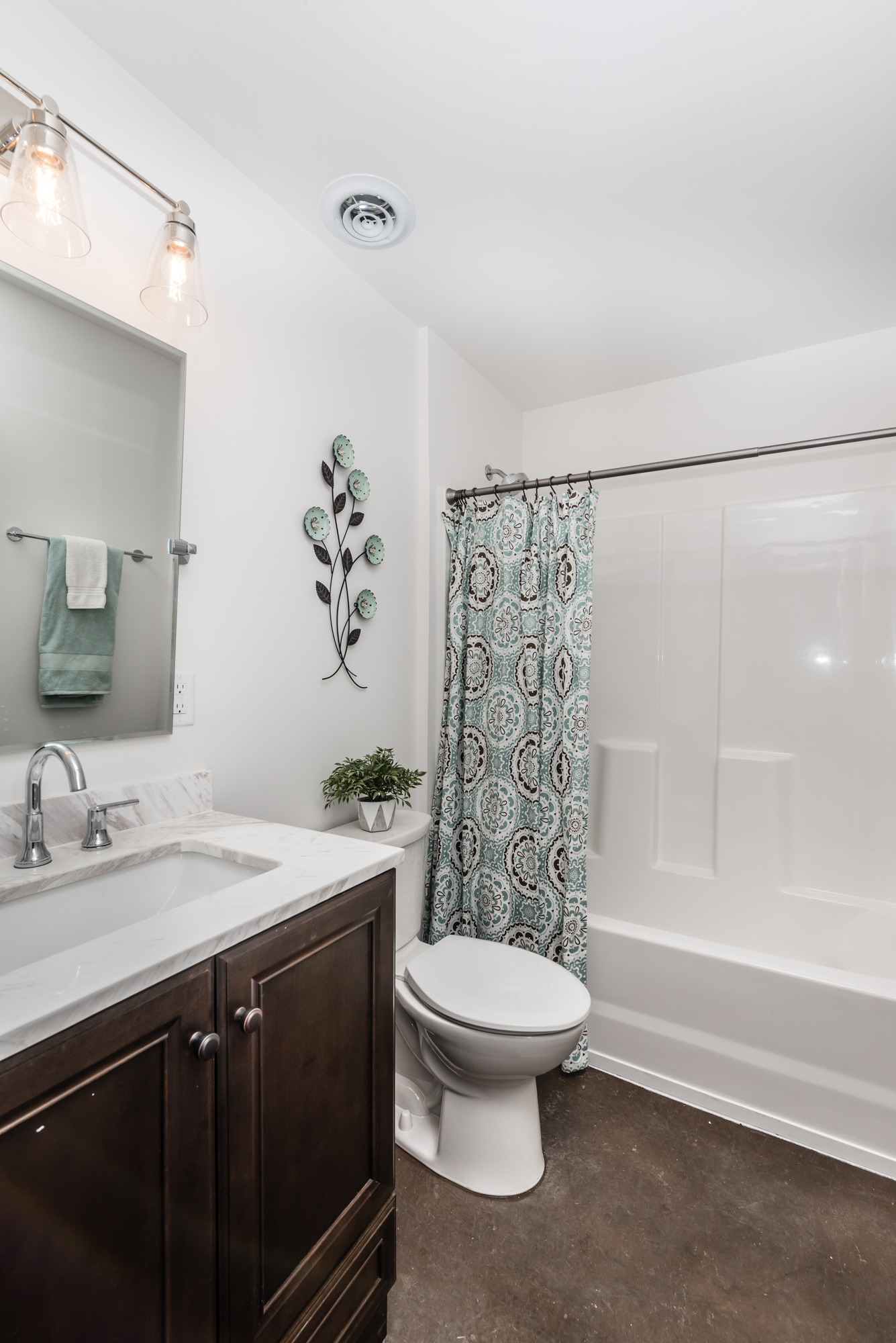 Bathroom (1) - Peper