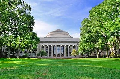 美国顶级大学申请人的暑期活动