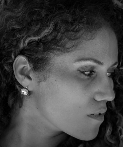 Black & white headshot for  female model