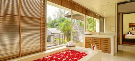 Master_Bedroom_Bathroom_e.jpg
