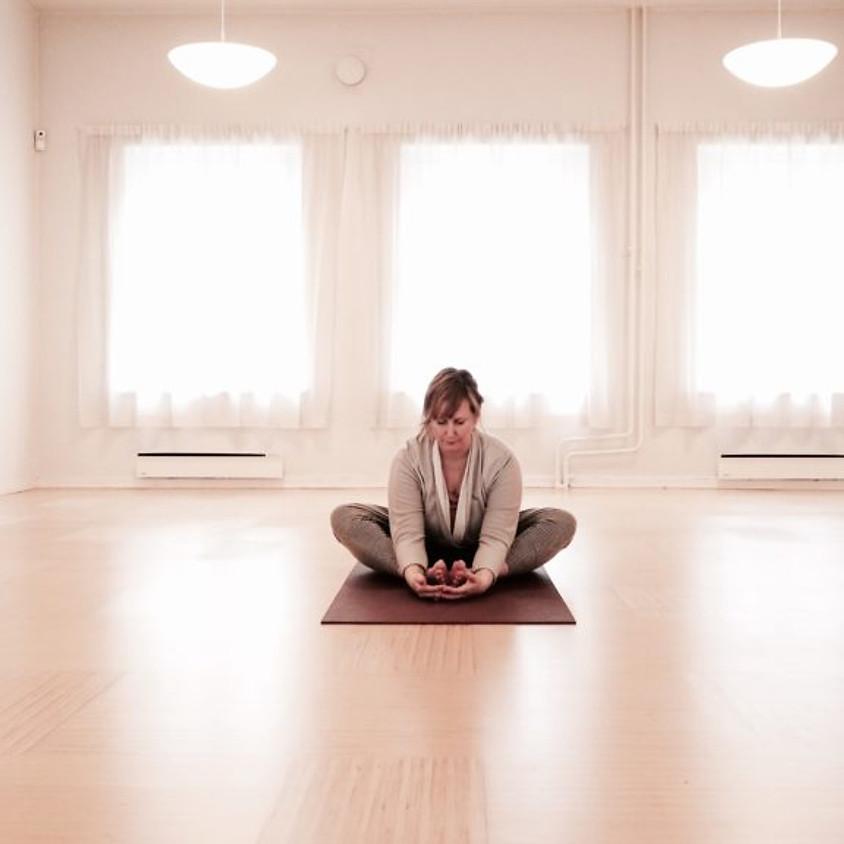 Vilande Yin Yoga med Fatima Sidhrèe