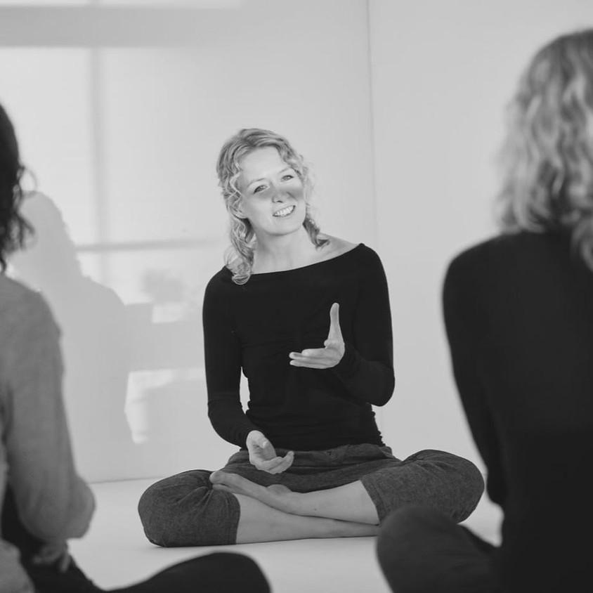 Karin Mæland - Yoga som fysisk, mental og spirituell praksis