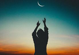 backlit-beautiful-crescent-moon-556666.j