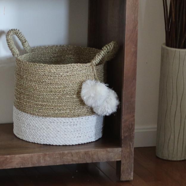 white-bottom seagrass basket