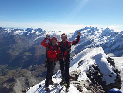 Am Matterhorn...nur Fliegen ist schöner...