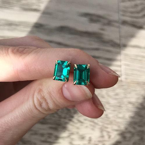 Colombian Emerald Stud Earrings 9x7mm (4.50ctw)