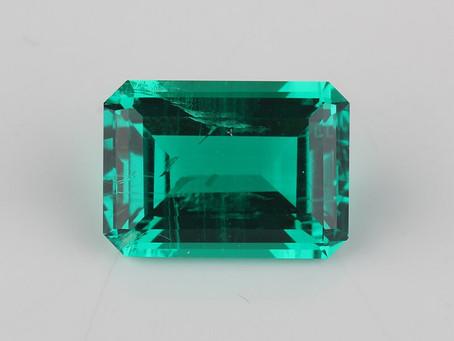 Hydrothermal emeralds and lab-grown gemstones