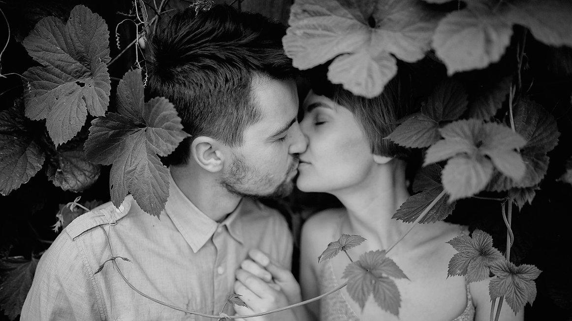 Kiss_edited.jpg