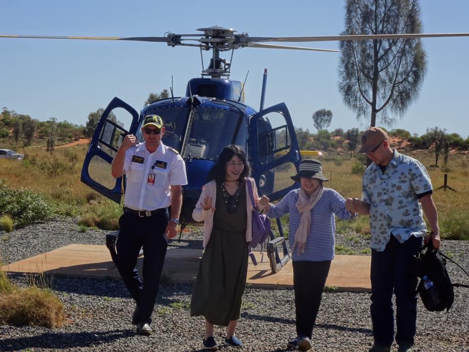 ヘリコプター遊覧飛行介助の様子