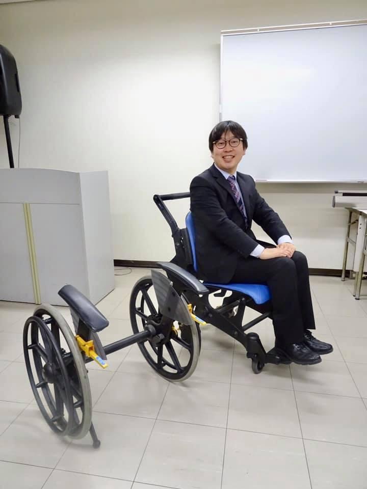 樹脂製車椅子