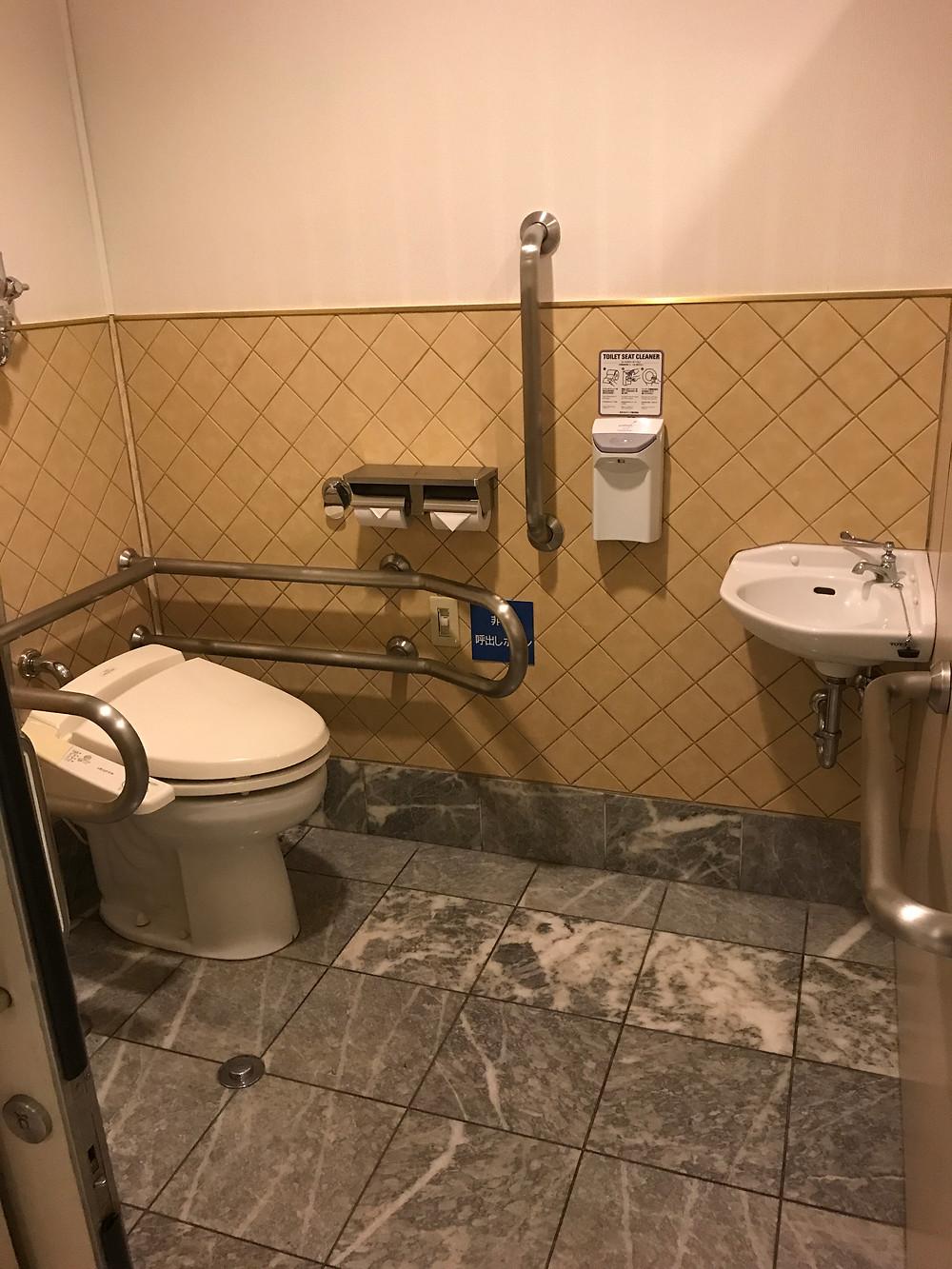 神戸メリケンパークオリエンタルホテル車いすトイレ