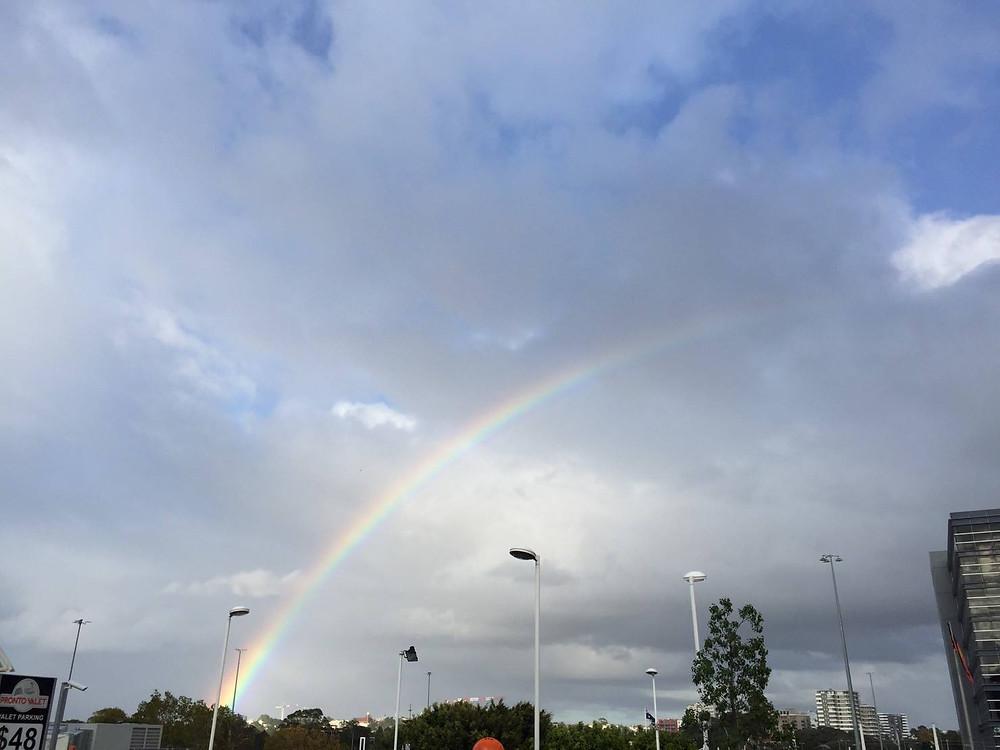 旅の最後は虹のお見送り